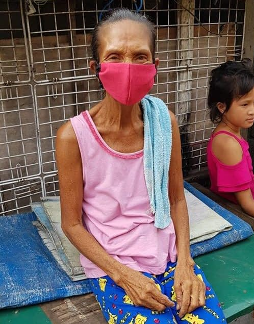 Tondo local with facemask